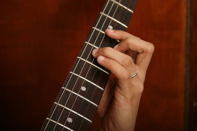 guitar-lesson-1-1149888-639x426